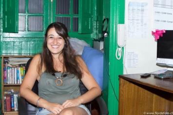 Angela Zanetti. Suiza. Es masoterapeuta. Actualmente trabaja como recepcionista en un Hostal. Se encuentra en Chile desde Agosto de 2014.