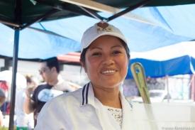 Diana. Peruana. Lleva 10 años en Chile. Trabaja vendiendo jugos.