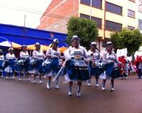 En Oruro se puede ver el carnaval, lleno de coreografías, música propia y vestuario particular. Cada baile se inspiraba en una leyenda y hechos históricos. Las mujeres del carnaval recuerdan a las cholas, tomando el atuendo tradicional y transformándolo en sus interpretaciones.